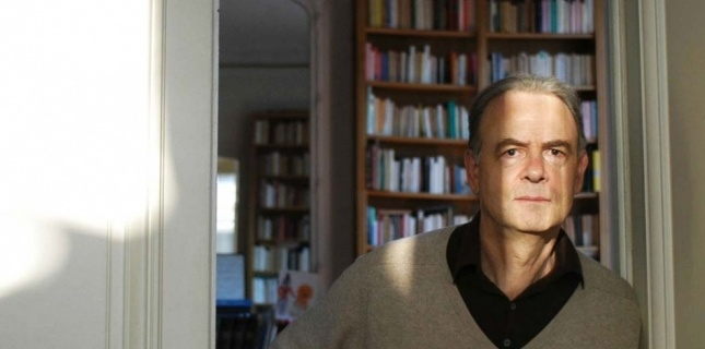Photo of جایزه نوبل ادبیات به «پاتریک مودیانو» رسید