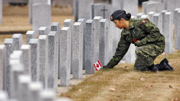 hi-remembrance-day-8col