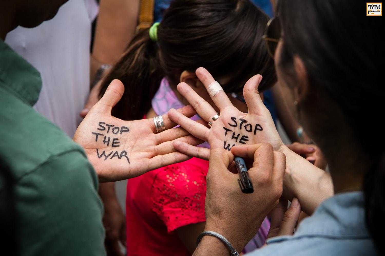 Photo of «در همین لحظه» جنگ را متوقف کنید