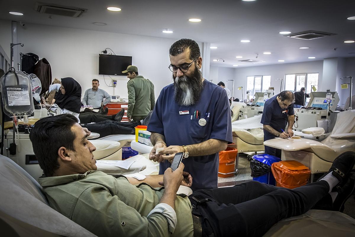 Photo of اهداء خون مردم برای زلزلهزدگان کرمانشاه